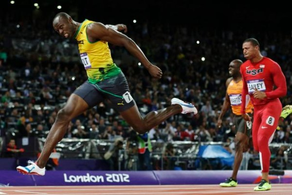 usain-bolt-wins-olympic-100-ap-347kb_606