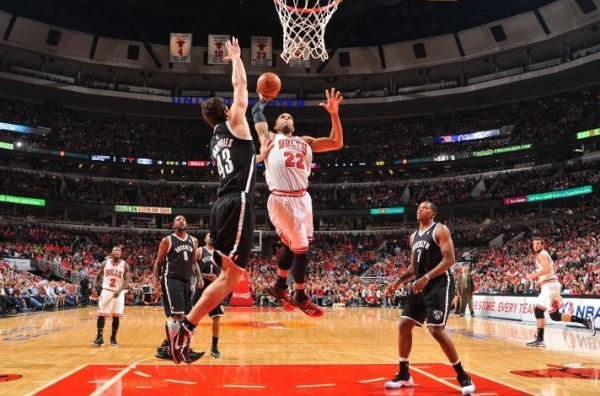taj gibson dunks on kris humphries