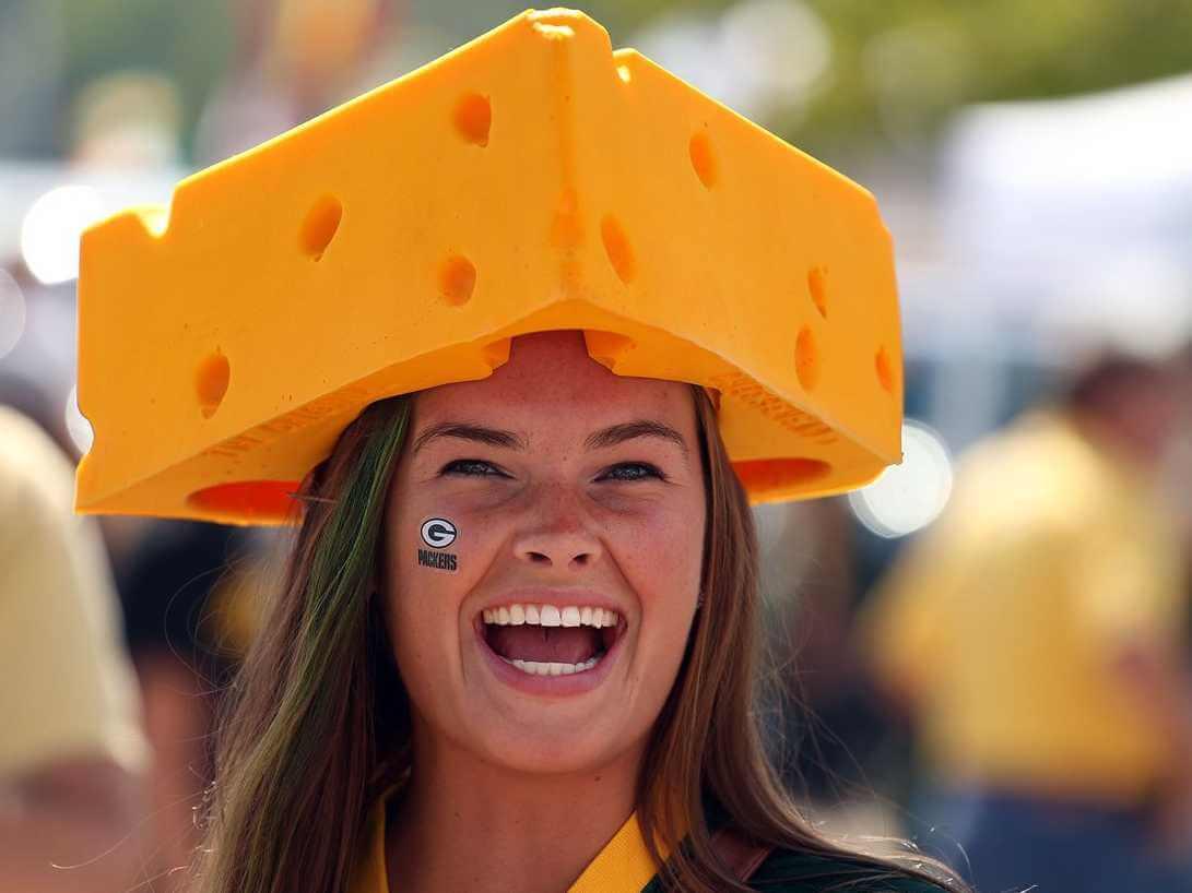 sports fan. the-best-football-fans-in-america sports fan