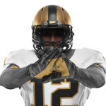 NCAA_FB13_UNIFORMS_ARMY_Gloves_0039_25500