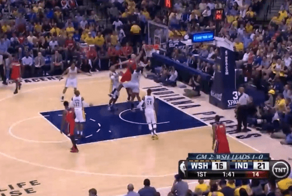 gortat dunk on mahinmi