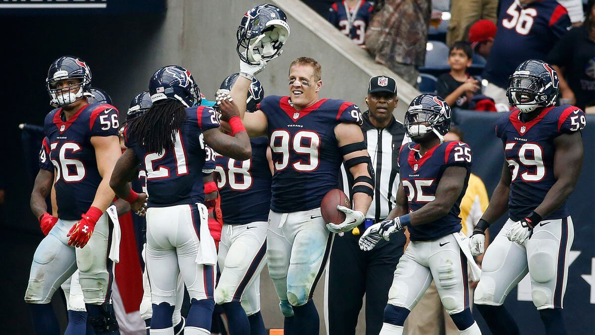 5 Things We'd Like To See On HBO's Hard Knocks With The