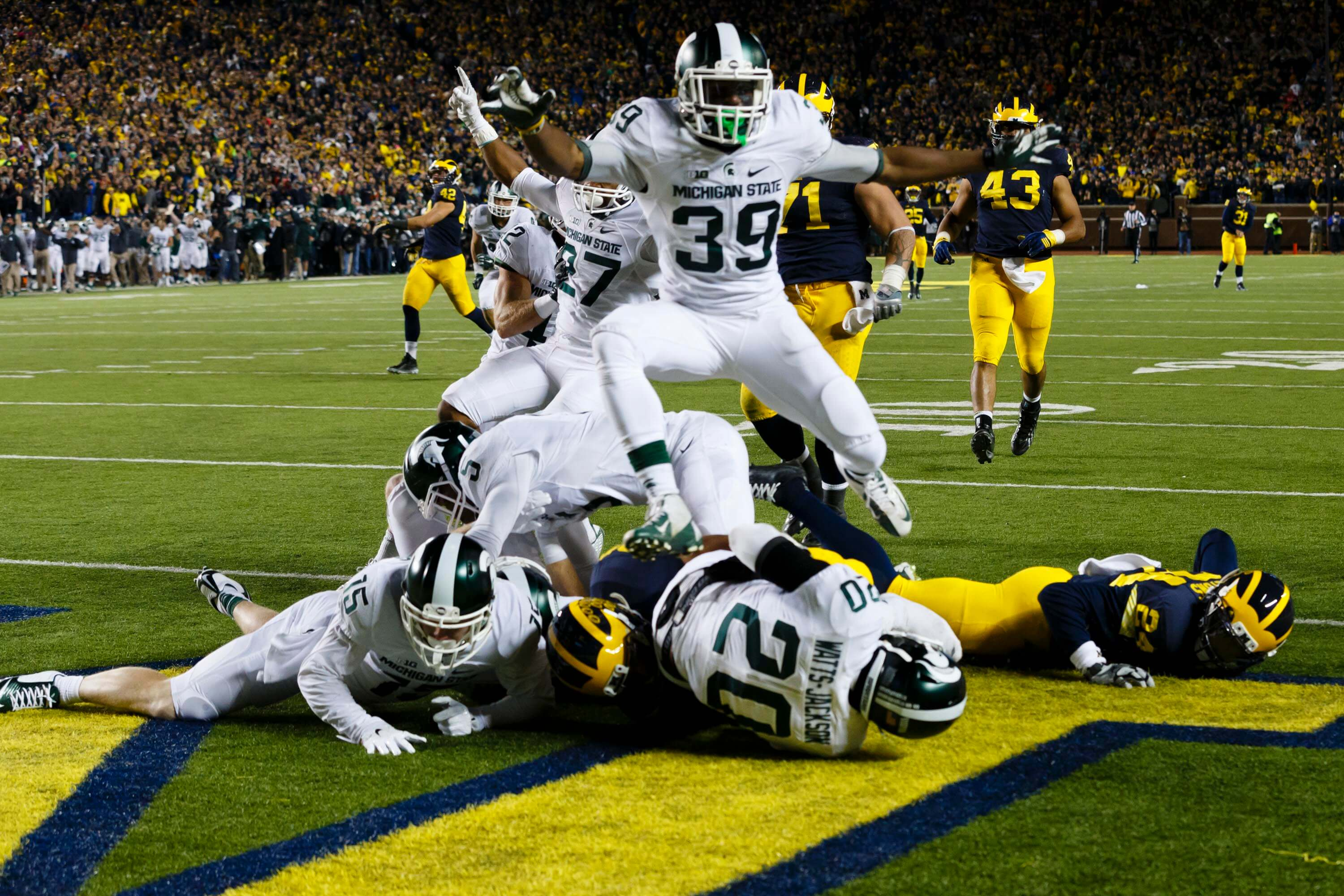 football michigan state college sports spartans spartan wolverines williams vs game wolverine